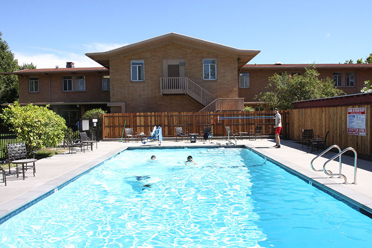 Amerigo Napa Dorm Pool